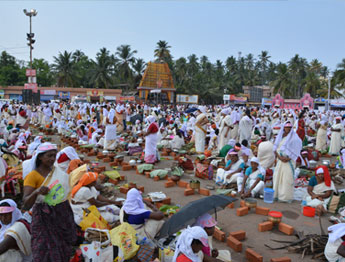Pongala Is The Most Important Festival Of Attukal Bhagavathy Temple Offering A Very Special Practice In Southern Part